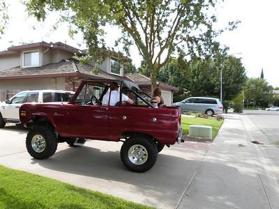 Mark's Bronco -- look at Joey!