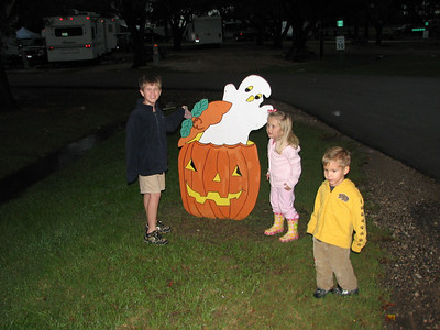 They do all kinds of fun stuff at they place, Yogi Bear's, for each season.  We were there in October..so Halloween, of course.
