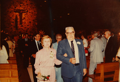 Aunt Margie's and Uncle Tom's wedding. Is that Mr. and Mrs. Rice behind Grandma and Opa?