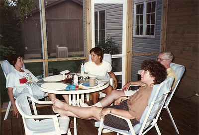 Jane, Debby, Noreen, Dad Cerne    7/90