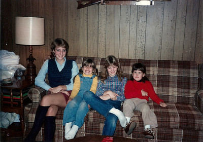 Caroline, Katey, Colleen & Catherine - Thanksgiving '83