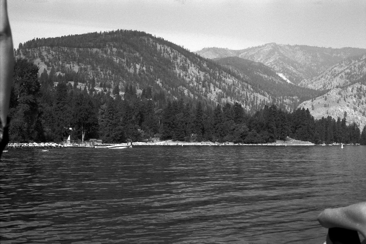 Lake Chelan B&W