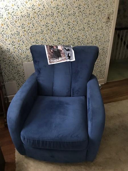 recliner in Alice's room