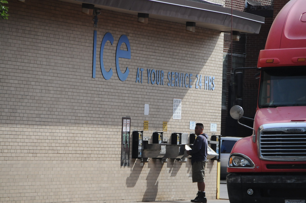 I wish we had one of these around here. Remember we could get blocks of ice?