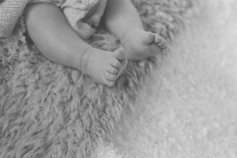 Emilia Roberts Newborns 4-26-15--5