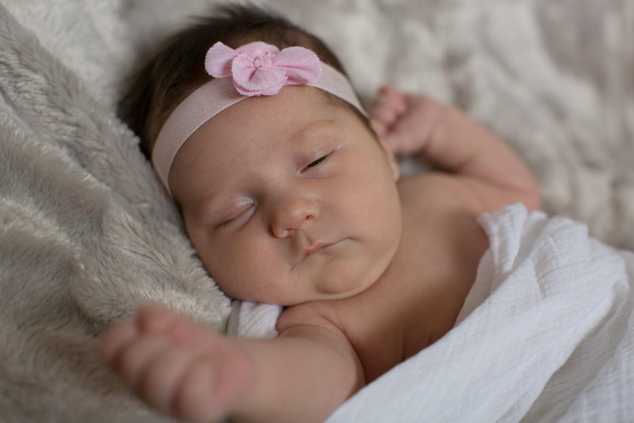 Emilia Roberts Newborns 4-26-15 b2--7