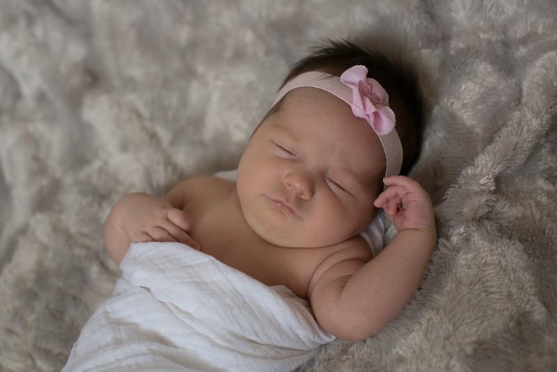 Emilia Roberts Newborns 4-26-15 b2--9