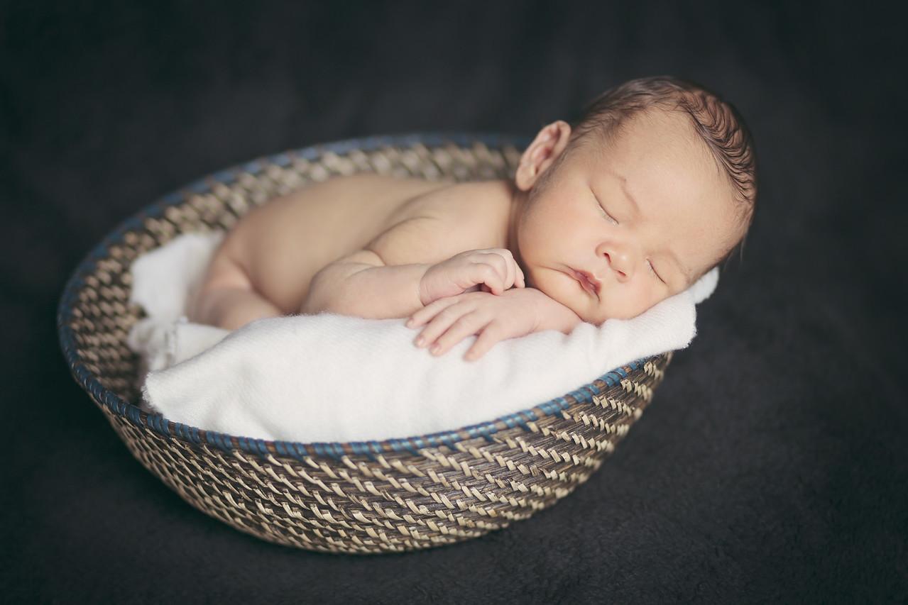Enzo Lambert Newborns-20