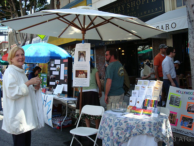 06-08-08 Volunteering with Roberta Morris for HLC at the Los Feliz Street Fair
