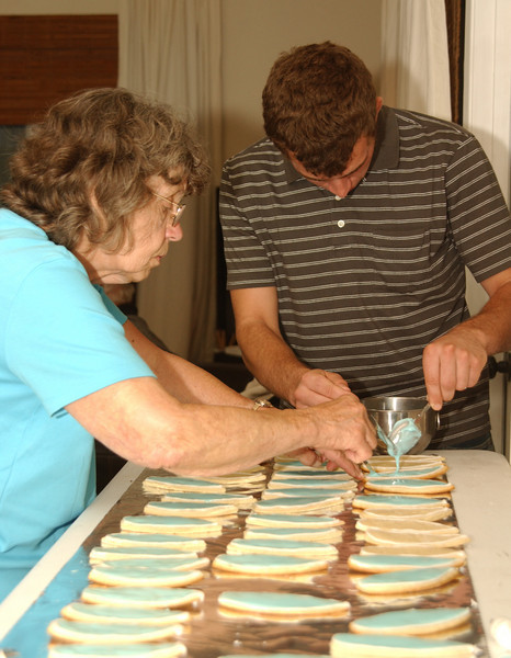 """[4x5.3"""" Crop] More of the cookie assembly-line"""