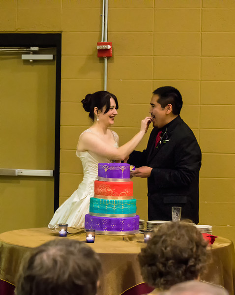 Feeding The Cake To The Groom_DSC0171