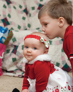 07 Christmas 2012 (Nicol) - Cooper & Faith (8x10)