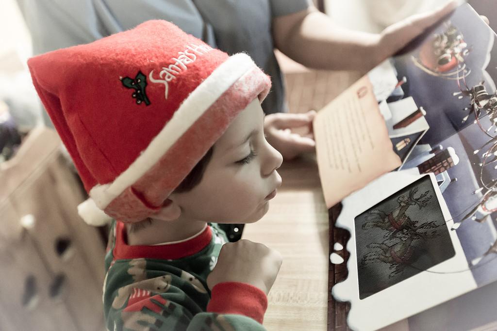 IMAGE: http://www.jefflhoman.com/Family/Christmas-2012/i-gfhKPvF/0/XL/0K7B2674-XL.jpg