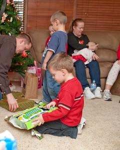 14 Christmas 2012 (Nicol) - Cooper & Presents (8x10)