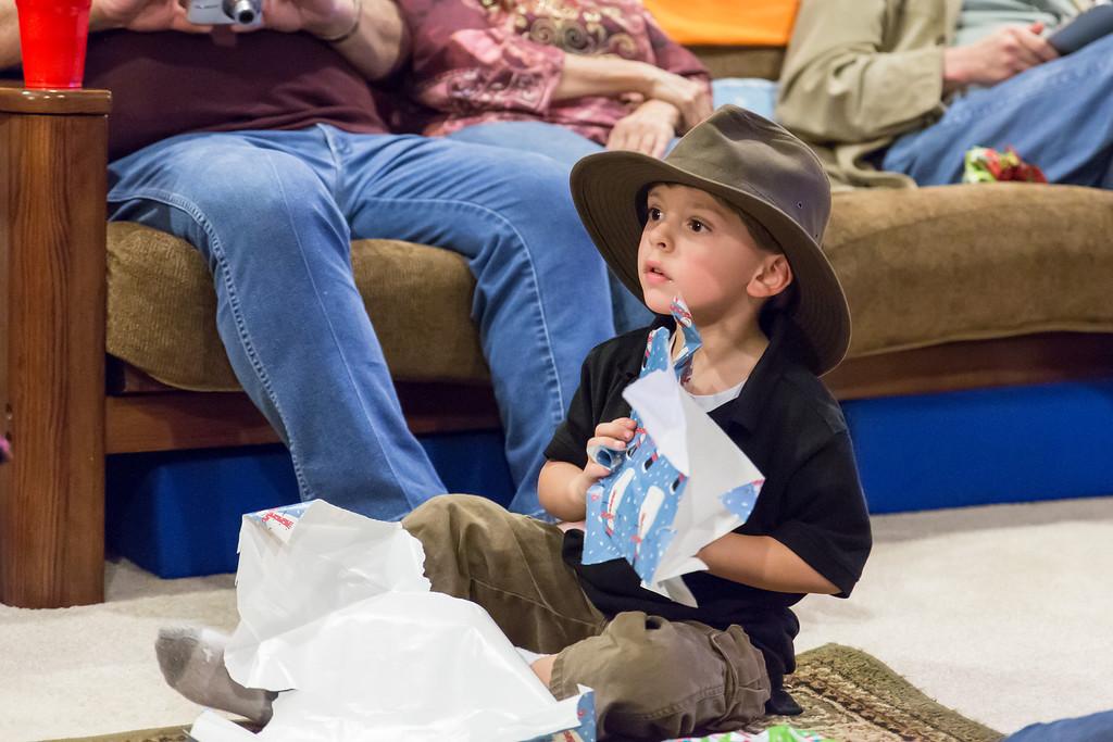 IMAGE: http://www.jefflhoman.com/Family/Christmas-2012/i-wqxBWcH/0/XL/0K7B2789-XL.jpg