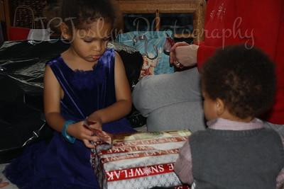Christmas fun at Matt's   2010  -  GD-4