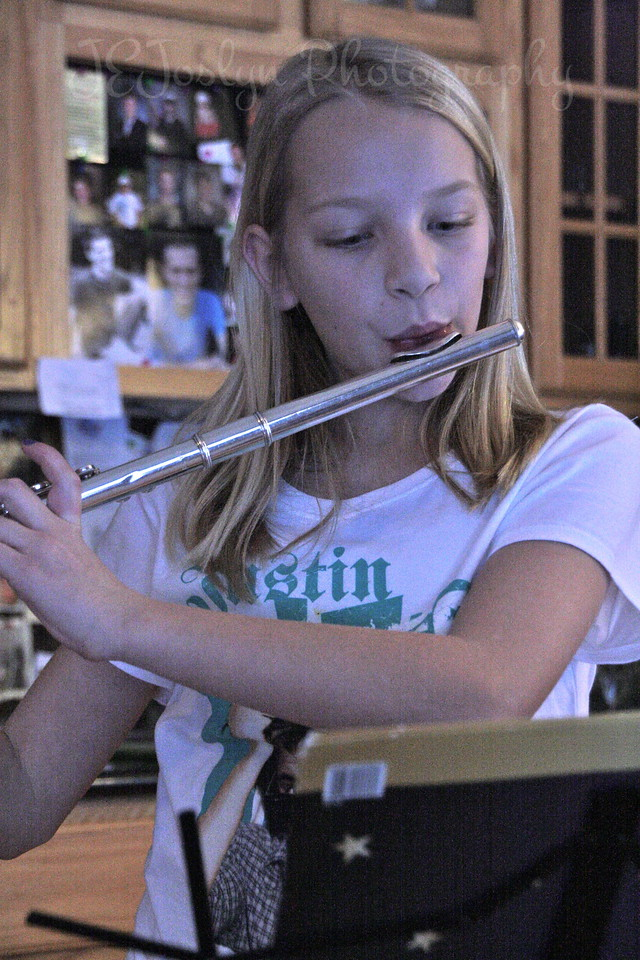 Christmas fun at Matt's.  12-25-2012  -  GD-3, first year on the flute, was having alot of fun