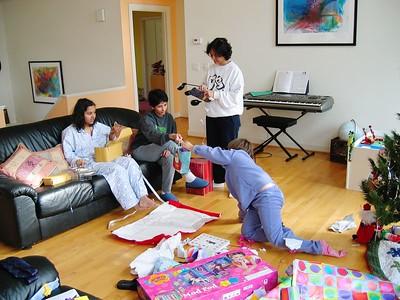 Christmas2004- 025