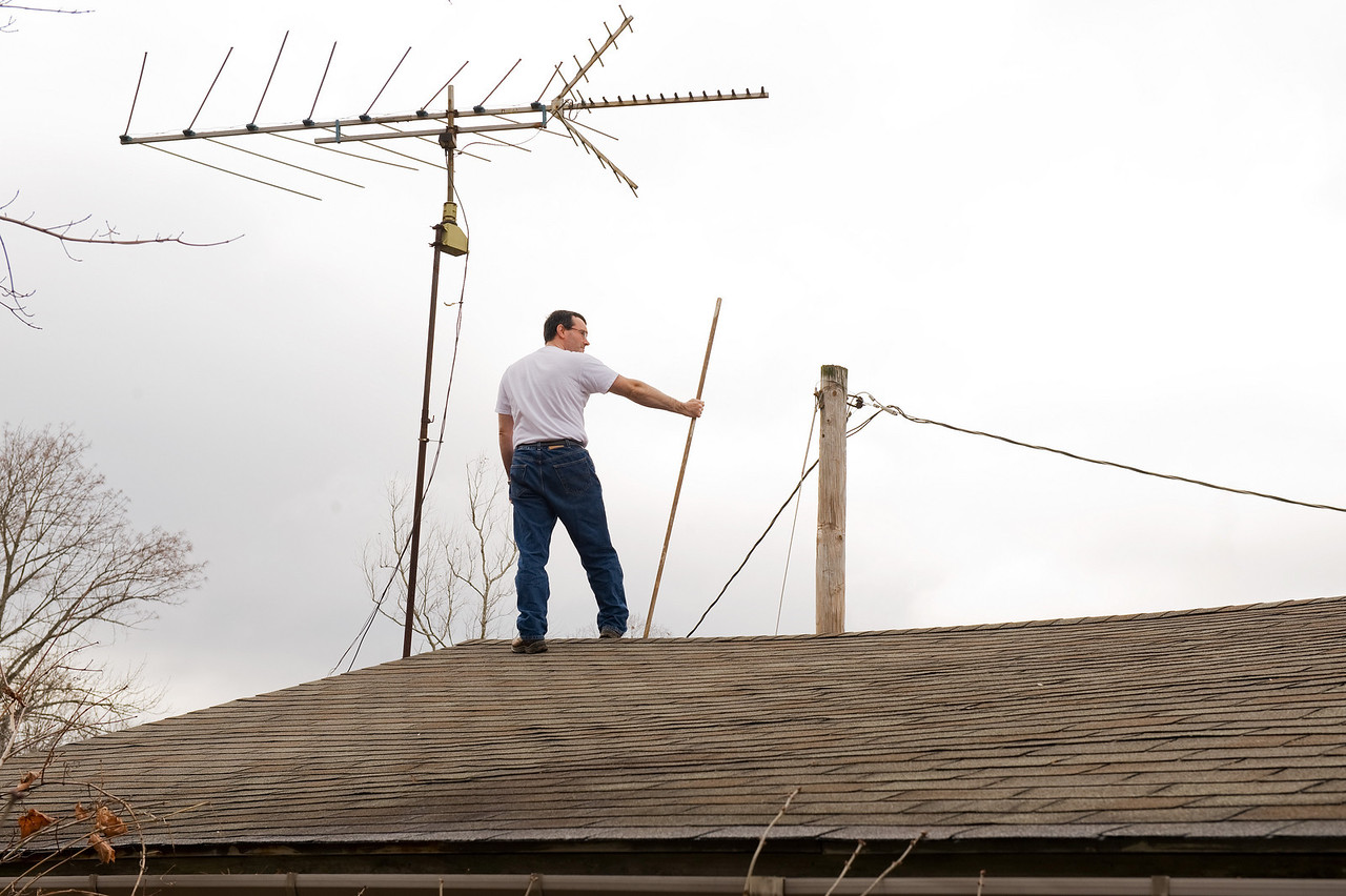 Channel 59 will never be fuzzy again thanks to Antenna Man.