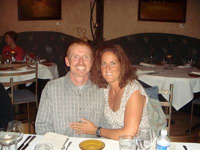 John and Cindy getting shmoopy.