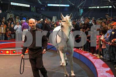 Circusl072