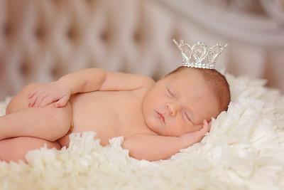 Clara - Newborn Pictures