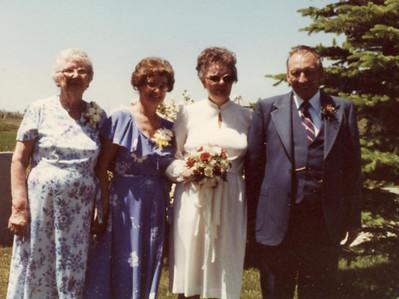 Eva, Amelia, Gertrude & Ray Dumman