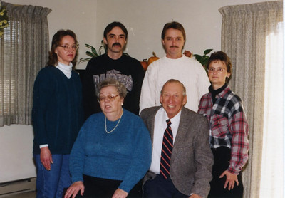 Gertie & Ray Duman with her children, Debbie, Donald, Jeff & Yvonne