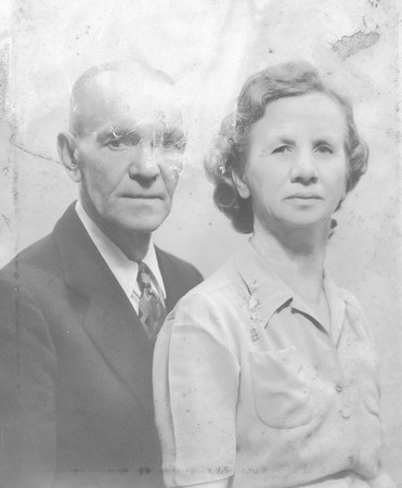 Gladys Viola Smith Lloyd & Henry Weekley 2nd husband-2