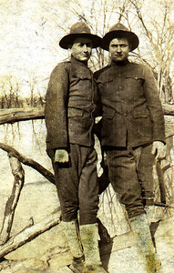 """Unknown """"Doughboys"""" of WWI. Thought to be family of Gladys' Smith."""