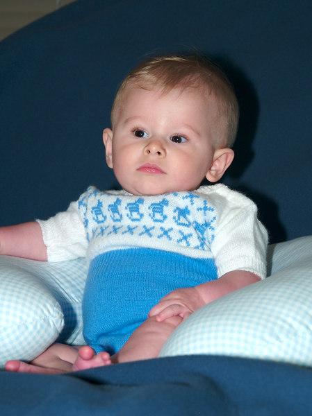 Cody's serious pose. 10/07