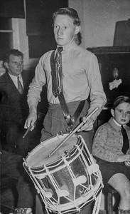 Colin Holmes, 1952