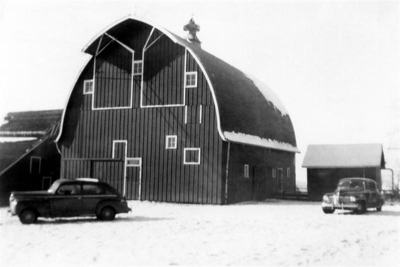 Horse barn maybe circa 1940-1947
