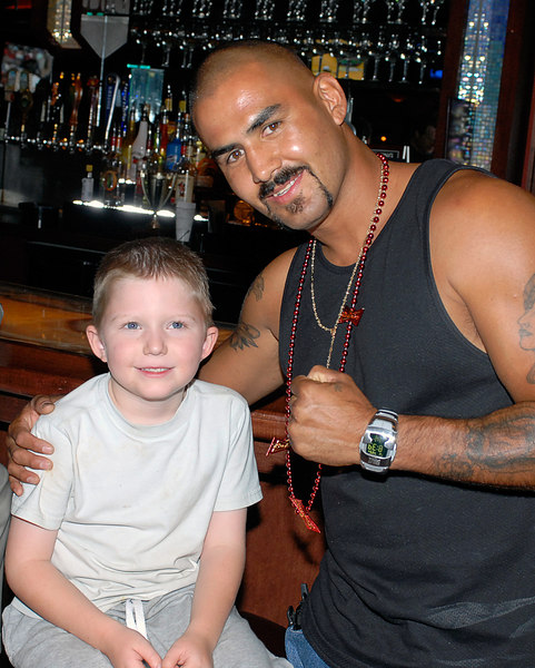 "(7.25.2006 -- Tucson, Arizona) Connor with professional boxer Nito ""El Gallito"" Bravo.  Nito is appearing on ESPN's The Contender."