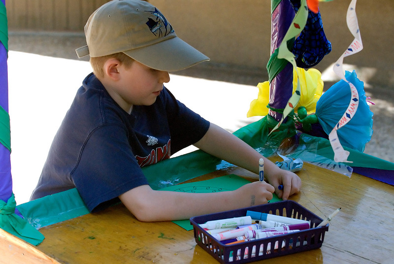 7.5.2007 -- Doing an art project at the San Diego Zoo.