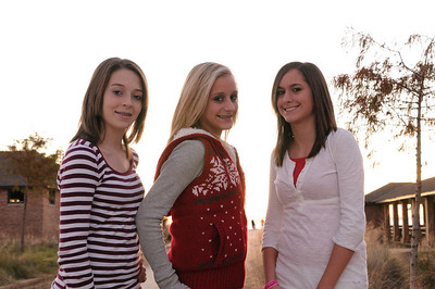 2008_12_Courtney_Megan_Demi_Sunset 020