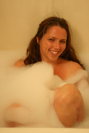 Courtney in the Bath