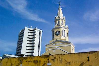 El Reloj, Cartagena, Columbia (New and Old contrast)