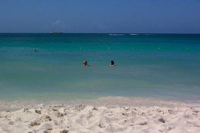 Evelyn, Aruba