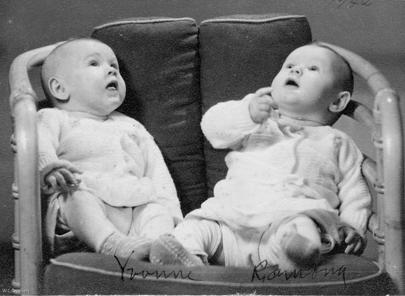 20090107-Yvonne and Ramona Woods 1942-1250SM