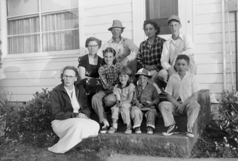 20090107-Virg,Therese ,Cletus, Delphine family circa 1956-1247SM