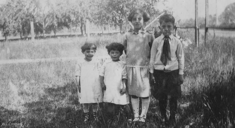 20090102-Carmel, Carole, Delphine, Geo 1926-1086SM