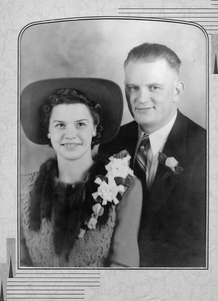 20090107-Elsie and Stanley Picha Wedding circa 1943-1199SM