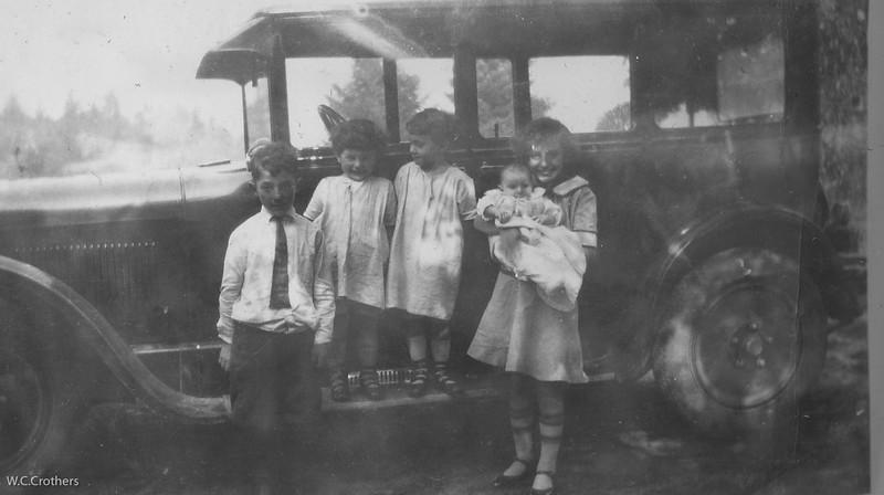 20090102-Geo, Carole,Carmel,Delphine holding Irene 1926-1097SM