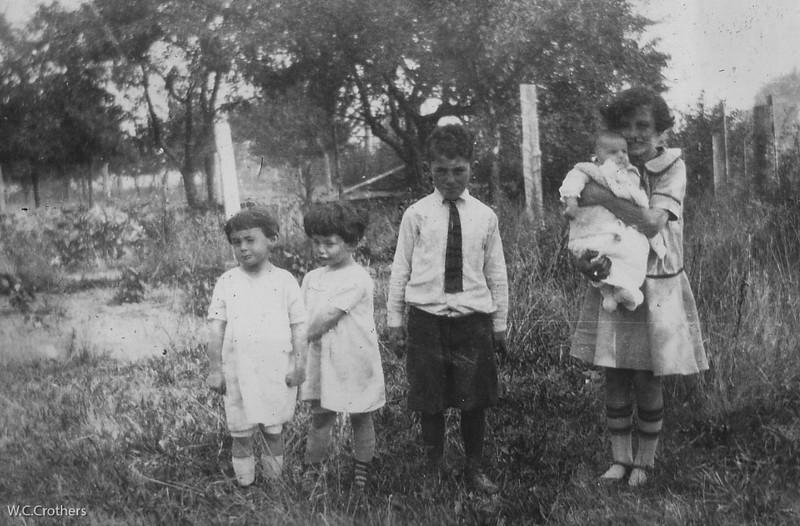 20090102-Carmel, carole, Geo,Delphine holding Irene 1928-1087SM
