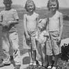 20090102-Vincent, Yvonne, Barb, Ramona 1947-1143SM
