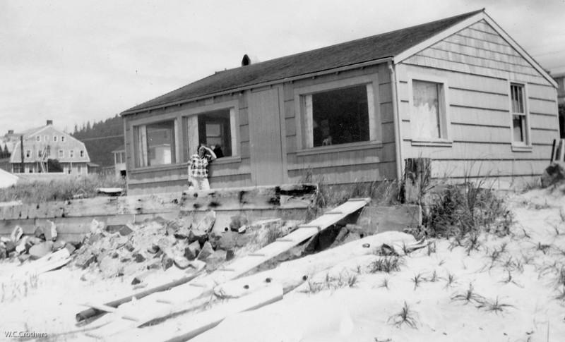 20090107-Virg at their beach house 1950's-1244SM