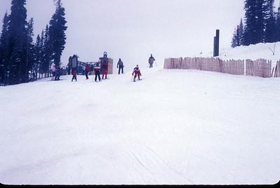 1983 048