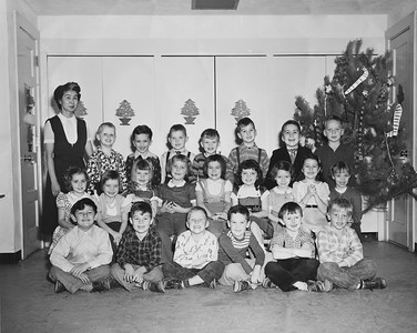 First Grade Class picture 1954 Xmas 1200DPI 2 1a