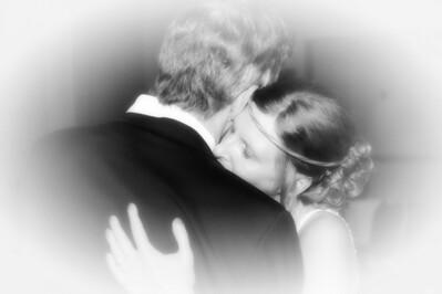 139 Dan & Janice Wedding - Dan & Janice (softfocus vig b&w)